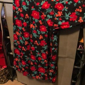 LuLaRoe XL Maxi Skirt Black Red Flowers